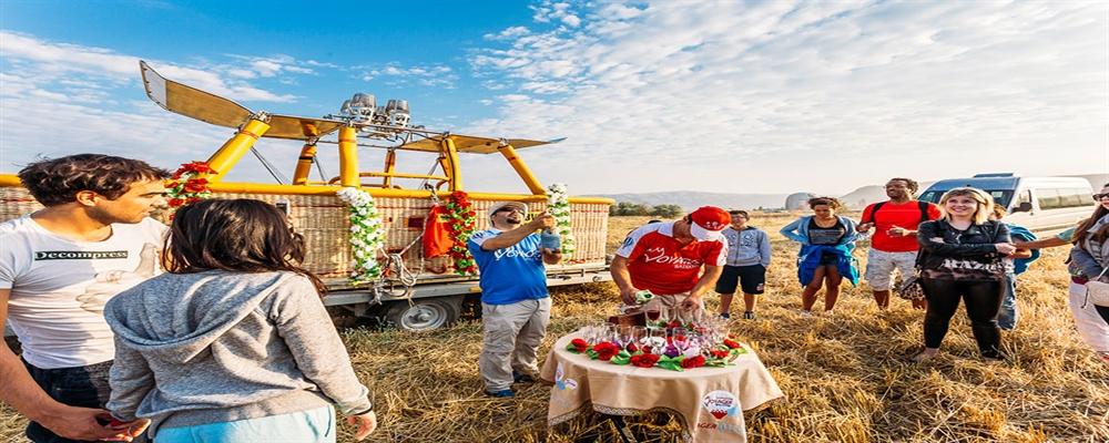 kapadokya balonda doğum günü kutlaması 1 - Kapadokya Balonda Doğum Günü